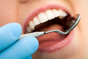 Un nuovo metodo indolore di affrontare la carie inverte il processo di cariazione del dente e li ricostruisce.