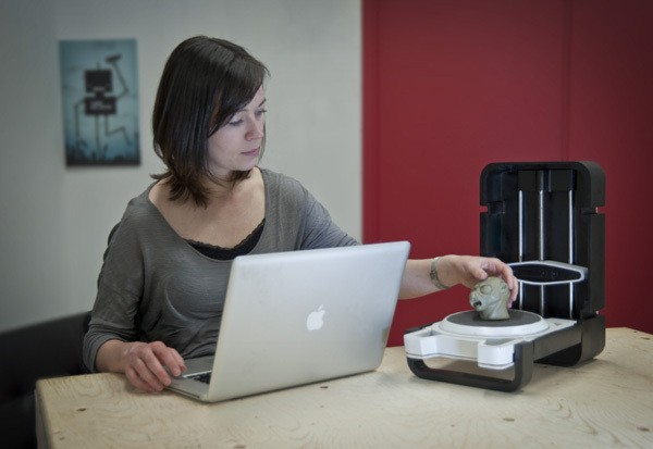 """Lo scanner 3D """"Photon"""" della Matterform è una soluzione alla portata di creatori e artisti"""
